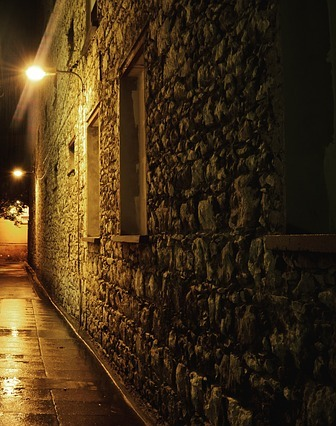 alley-984005_640